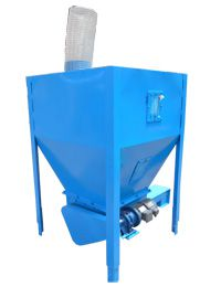 Silo and Feeder for mobile feed pellet plant
